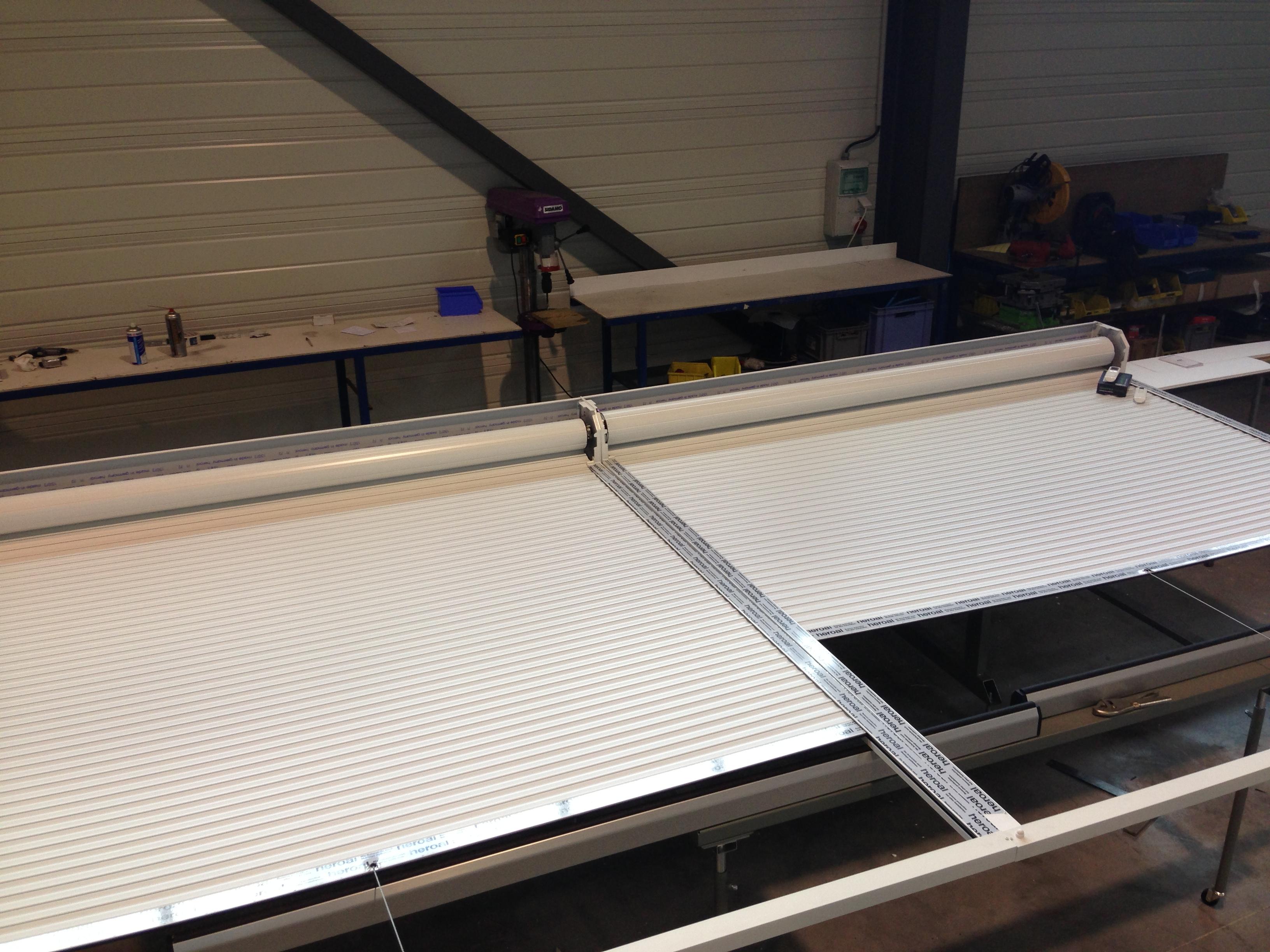 Volets de toiture de v randa sds industrie for Volet pour fenetre de toit